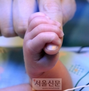 [포토 다큐 줌인] 저체중 출생아 '이른둥이' 치료실 가다