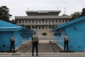 문재인 정부, 판문점 연락사무소 정상화 추진…1년 3개월째 중단 상태