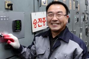 [임태순 선임기자의 5060 리포트] 36년간 軍 복무 뒤 건물 전기원 취업 성공한 김두문…