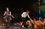 2PM, 베트남 팬들 위해 뛰…