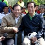 鄭-朴 휴일 행사 나란히 참석…표밭갈이 경쟁