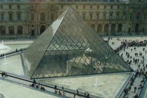 [함혜리 선임기자의 미술관 건축기행] (5) 佛 파리 루브르 박물관