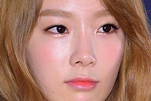 """소녀시대 '태연' 교통사고…피해자 """"구급대원들, 가해자 태연 먼저 후송"""""""