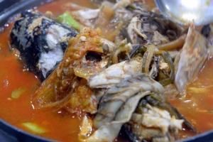 [김준의 바다 맛 기행] 구이용은 염장 안 해야 '제맛'… 회+돌김·묵은지 '환상의 …