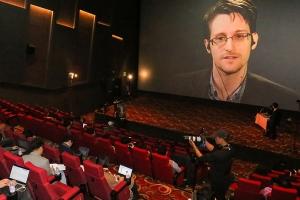 """미 NSA 사찰폭로 스노든, """"인터넷 감시 강화되고 있다"""""""
