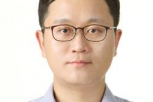 [오늘의 눈] 우병우·고영태를 보는 잣대/김양진 사회부 기자