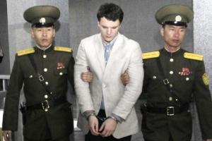 """웜비어 사망, 15년 북한 노동교화형 케네스 배 """"거미줄 벌레처럼..."""""""