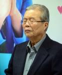 [서울포토]생각에 잠긴 김종인 더민주 비대위 대표
