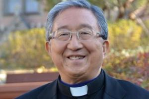 文대통령, 김희중 천주교 의장 교황청 특사로 파견