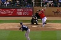 (영상) 박병호, 밀어서 시즌 3호·MLB 첫 멀티히트