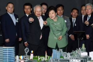 """K-컬쳐밸리에 야당은 오지마""…청와대의 뒤끝"