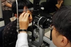 알레르기성 결막염, 봄철 유행…눈 간지럽고 충혈·눈곱 증상이면 의심