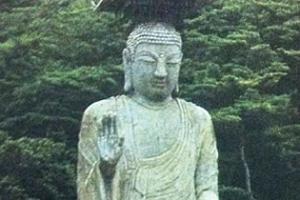 [서동철 기자의 문화유산 이야기] 시멘트·석고 미륵불 '파격'을 담아낸 불상