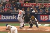 (영상) 김현수, 30일 만에 홈런…시즌 2호 투런포