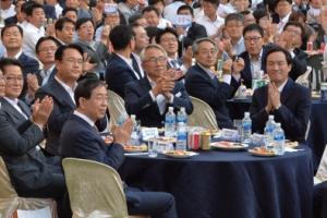 """박원순 시장 """"시민에 앞마당 열어줘"""" 홍윤식 행자 """"공익언론으로 화합에 앞장"""""""
