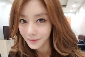 쥬얼리 출신 이지현, 9월말 안과 전문의와 재혼