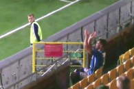 (영상) 스웨덴 축구선수, 해트트릭 후 세리머니하다가…