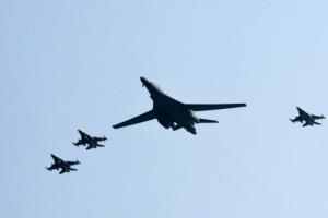 미, 북 핵실험 대응으로 한미일 3국 공군 한국 상공에서 편대비행 제안했으나 한국 거…