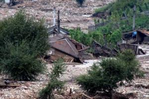 北 최악 홍수 피해…김정은, 수해현장 방문 외면 왜