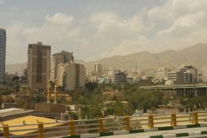 [테헤란 여행기 1] 무알콜, 정보 차단, 잿빛 도시 테헤란에 발 딛다