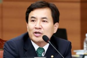 靑 압수수색 시도에… 김진태 의원, '특검 직권남용 처벌' 강화법 발의