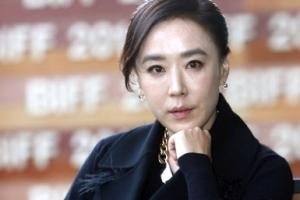 """강수연 """"김기춘 조윤선, 부산영화제 탄압…특검 협조할 것"""""""