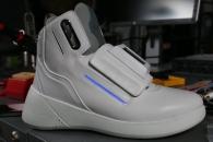 와이파이 내장된 미래형 신발, 가격은?