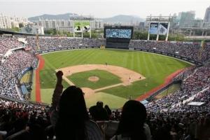 [커버스토리] 온라인 '암표상'에게 쪽지 날렸더니 6만원짜리 야구표 35만원 달란다