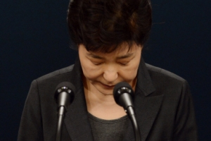 朴대통령 지지율 4% 추락…탄핵발의 전에 대국민 호소 메시지 낼까?