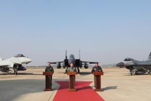 '하늘은 우리가 지킨다'…한·미·영 공군 연합 '무적의 방패 훈련'