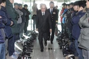 [서울포토]카메라 내려 놓은 기자들…한일 군사정보보호협정 비공개 항의