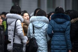 [포토] 北에도 패딩 열풍이?… 평양 여성들의 겨울 패션