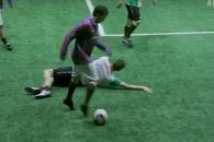만취한 선수들의 '엉망진창' 축구경기