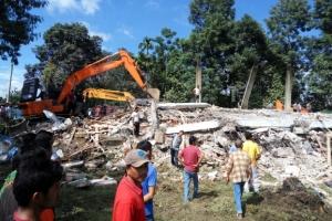 인도네시아 6.5지진… 최소 100여명 숨져
