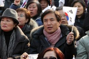 """김진태, 새누리 비박계 탈당에 """"잘해주진 못했지만 행복하길"""""""
