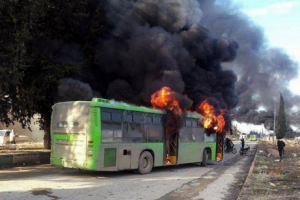 불타는 알레포 주민·반군 수송 버스