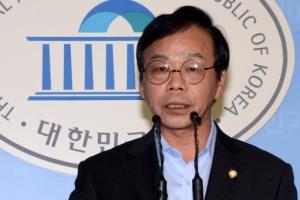 """이완영, 野 위원들 만나 """"국정조사 조기에 중단시키자"""" 파문"""