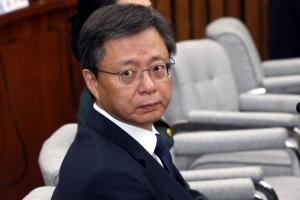 [서울포토] '언제 시작하나요?'…우병우 전 청와대 민정수석