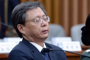 [서울포토] '언제 끝날까?'…우병우 전 청와대 민정수석