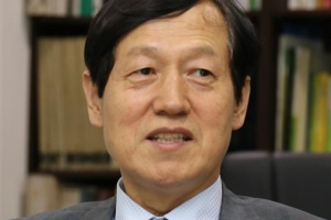 [시론] 교육을 정치 중립의 지대에 세우자/송기창 숙명여대 교육학과 교수