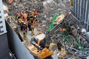 종로 건물붕괴 매몰자 2명 중 1명 숨진 채 발견