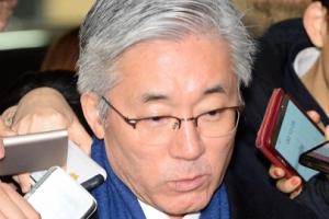 """특검, 김종덕 '블랙리스트' 피의자로 소환…""""심려끼쳐 송구"""""""