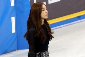 """[포토] 우아하게 등장하는 김연아…""""오늘은 시상자"""""""