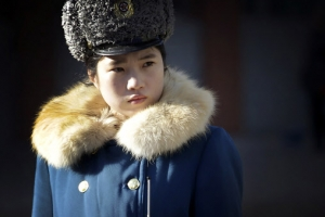 [포토] 북한 여경의 겨울 유니폼