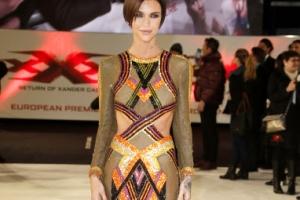'드레스와 완벽 일체 라인' 여배우 루비 로즈