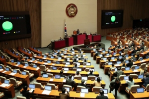'가습기살균제 피해구제법' 국회 본회의 통과…피해자에 요양급여·수당 지급