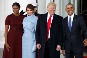 """[트럼프 美대통령 취임] """"사랑해요"""" """"물러가라""""… 궂은 날씨·찬반 시위 속 백악관…"""