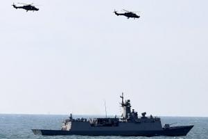 """""""적 잠수함이다"""" 공중 탐지 30분 만에 海·空 동시 공격"""