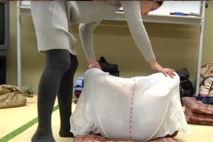 보자기에서 숙면을? 일본에서 유행 중인 신종 운동법
