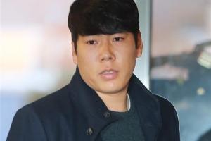 """음주 뺑소니 파문 후 도미니카로 떠나는 강정호…""""죄송한 마음"""""""